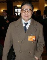 全国政协委员霍震霆出席全国政协十一届一次会议开幕