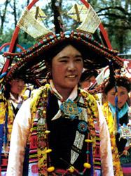[民俗情趣]藏族服饰的审美情趣_中直播用日本美女服饰图片